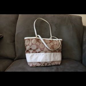 COACH Signature Hand & Shoulder Bag White & Brown